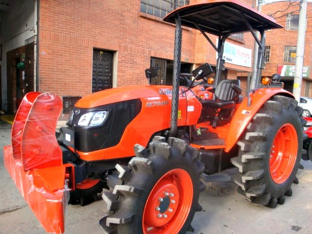 Tractor Diesel Kubota M7040 Sin cabina Colombia
