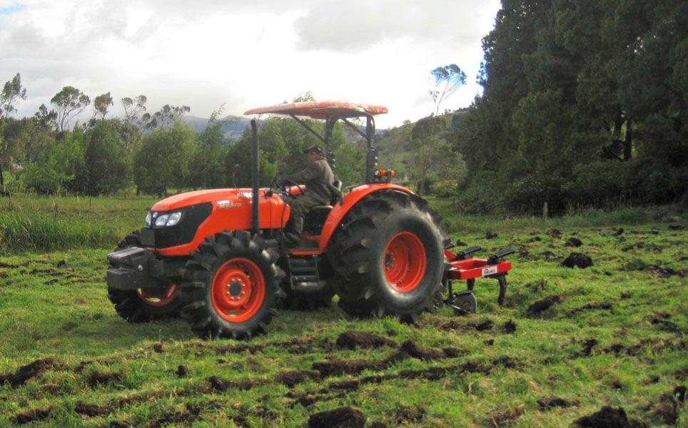 Tractor Kubota M9540 Sin cabina