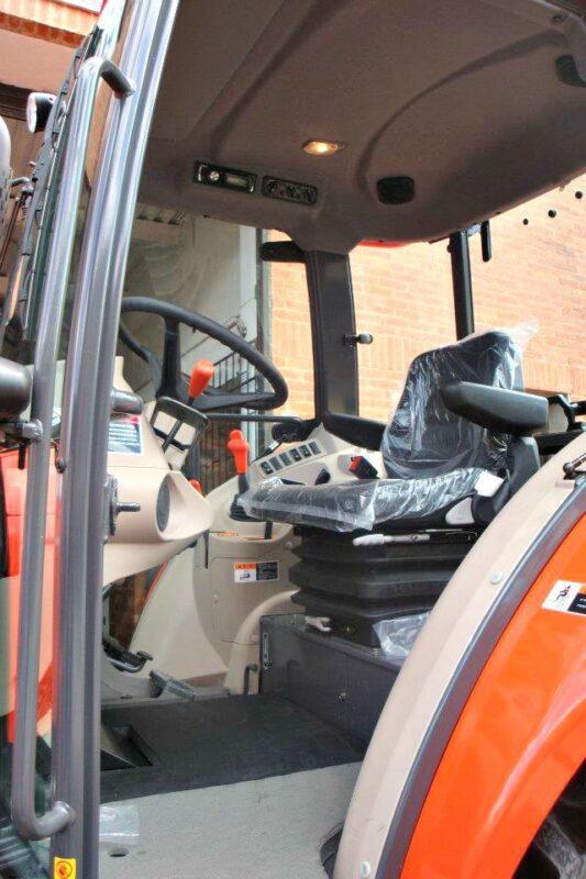 Tractor Kubota_cab-02